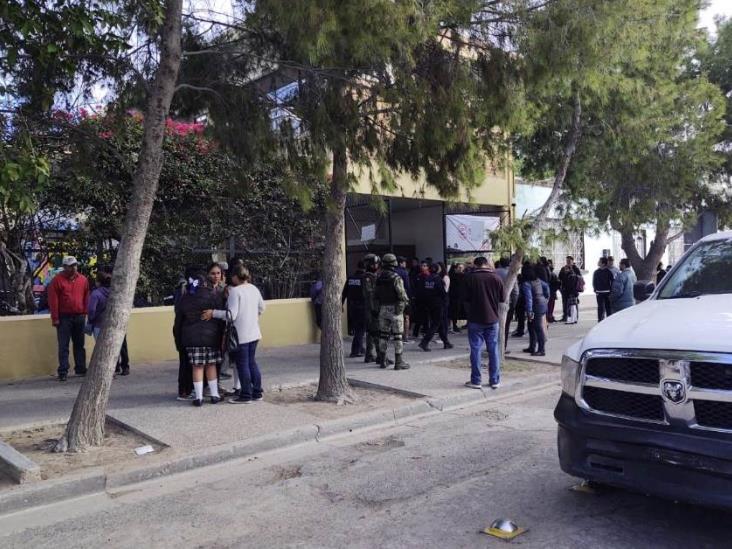 Al menos dos muertos tras tiroteo en Colegio Cervantes, en Torreón