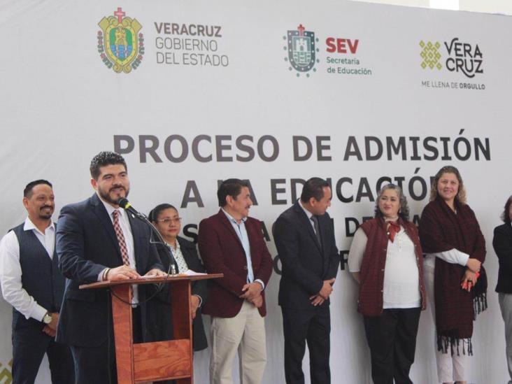 Asigna SEV 294 plazas docentes federales y estatales