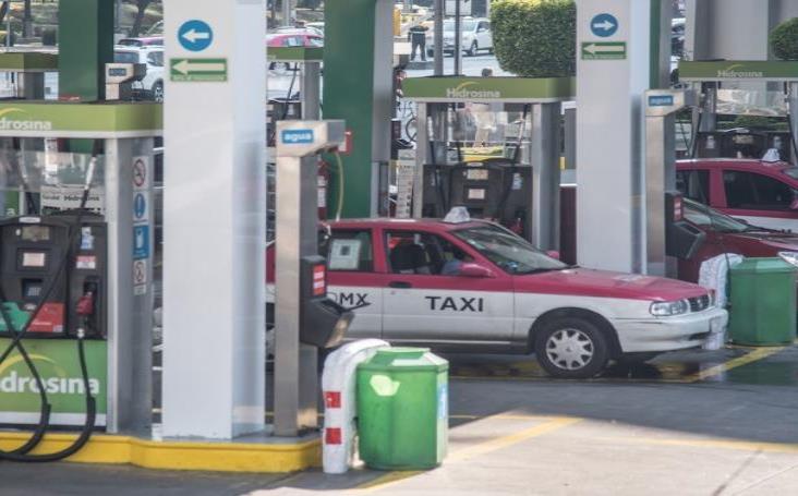 Niega Profeco aumento al precio de gasolina y luz durante 2020