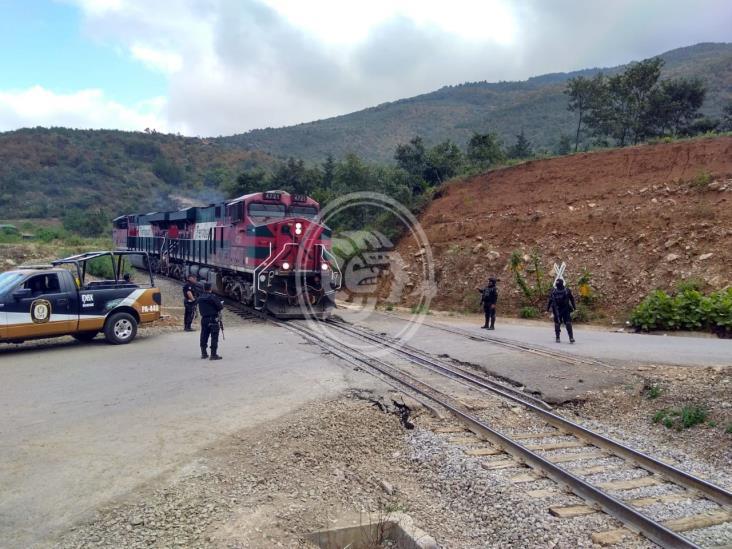 Tras enfrentamiento, frustra IPAX robo a tren en Nogales