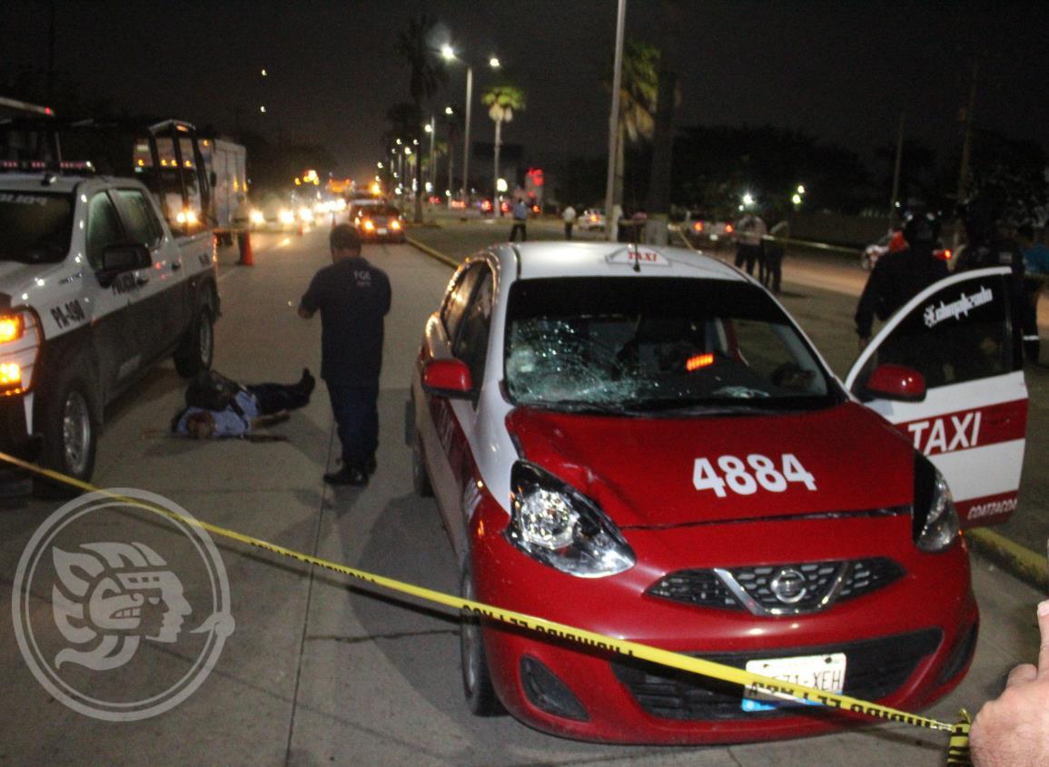 Por exceso de velocidad, taxista atropella y mata a transeúnte