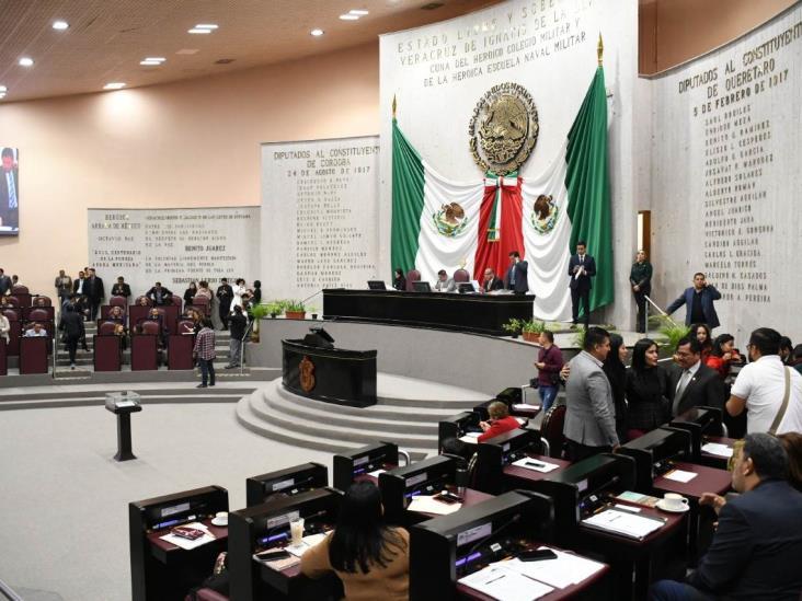 Ante amenaza de 'enemigos de la transformación', van en Congreso contra robo de medicamentos en Veracruz