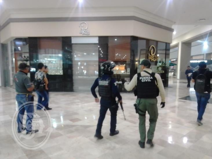 Hombres armados atracan joyería en Boca del Río