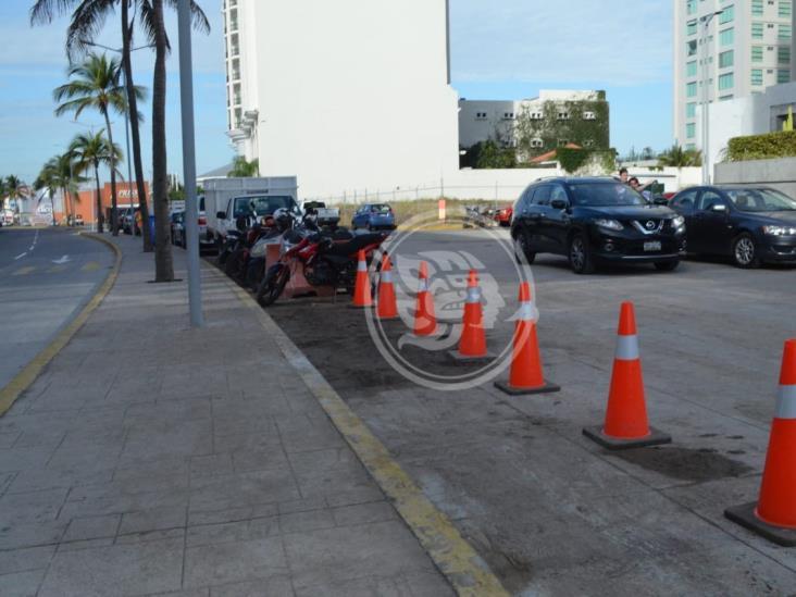 Que abran el paso; protestan taxistas contra obra en Veracruz