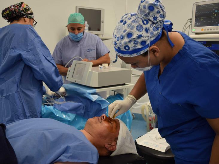 Beneficiarán en Ixtac a 100 habitantes con cirugía de cataratas