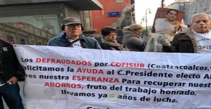 Defraudados de Cofisur protestan afuera de Palacio Nacional