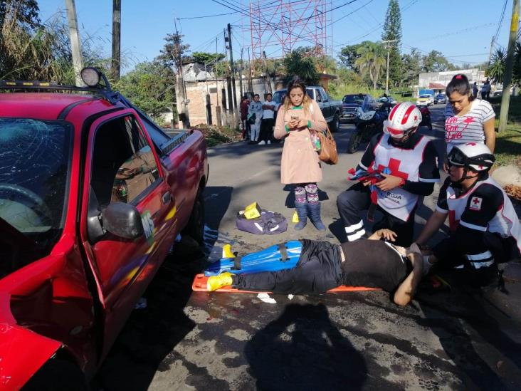 Chocan de frente en carretera de Córdoba; 5 lesionados
