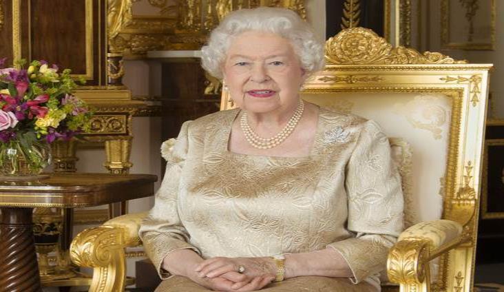 Reina Isabel da el 'último adiós' del Reino Unido a la Unión Europea
