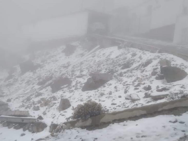 Nevadas en el Cofre de Perote; limitan acceso a la montaña