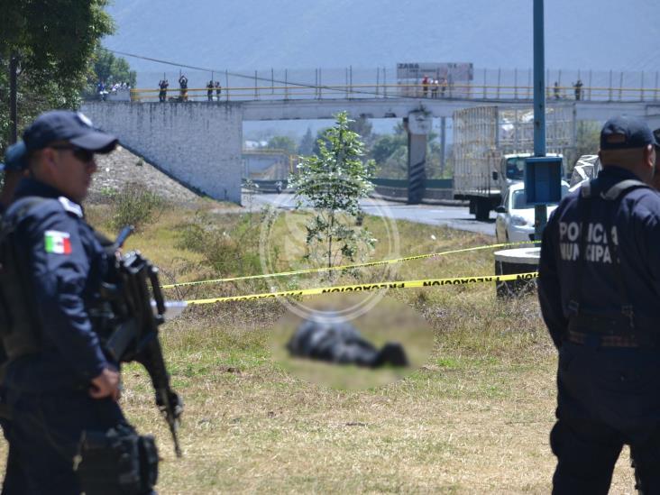 Abandonan dos cuerpos embolsados en Huiloapan