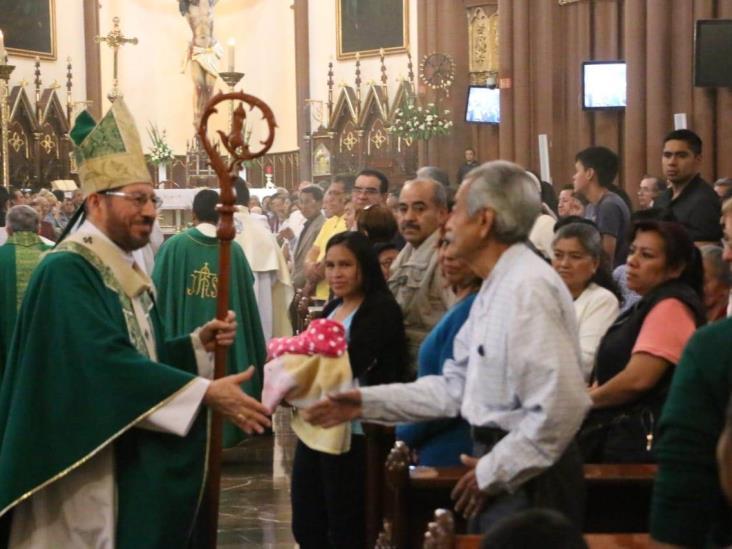 Arremete Iglesia contra falta de medicamentos en Veracruz