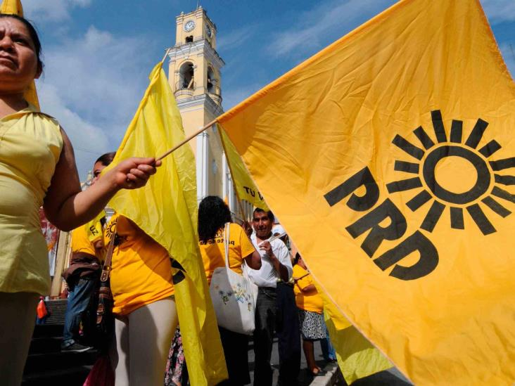Urgen al INE intervenir para que PRD en Veracruz renueve liderazgos