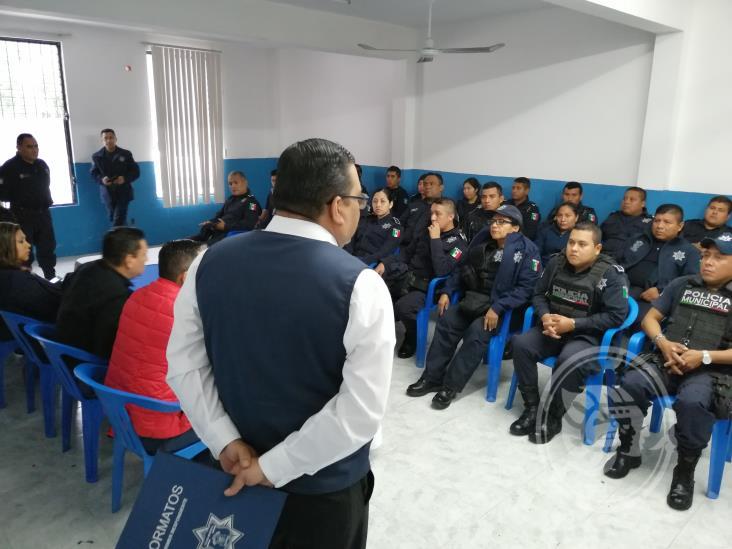 Capacitan a elementos de la Policía Municipal de Tuxpan