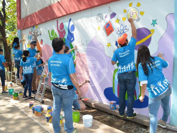 'Voluntarios en acción' dan vida a escuelitas