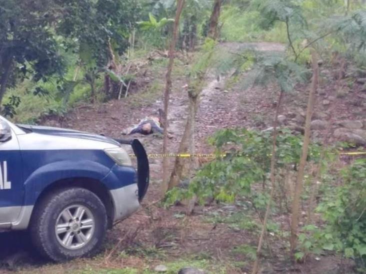 Abandonan a ejecutado cerca de carretera estatal Martínez-Misantla
