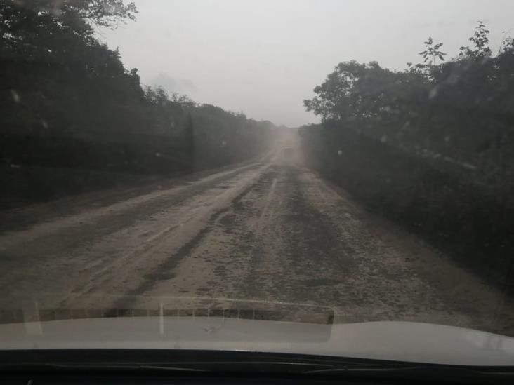 Con firmas buscan que gobierno reconstruya carreteras de Poza Rica