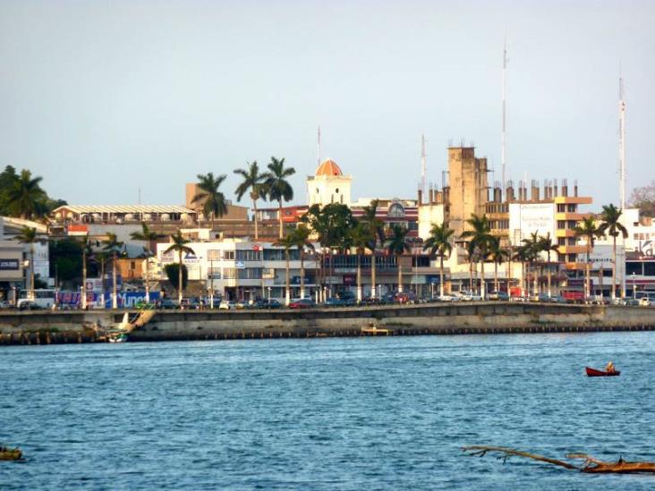Buscar Canaco Tuxpan dar impulso a jóvenes empresarios