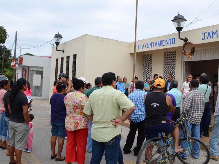 Estancado conflicto en Jamapa; exigen intervención de Tesorería