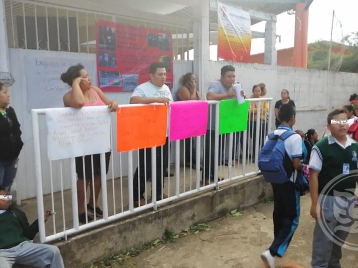 Exigen auditar primaria en Córdoba por malos manejos