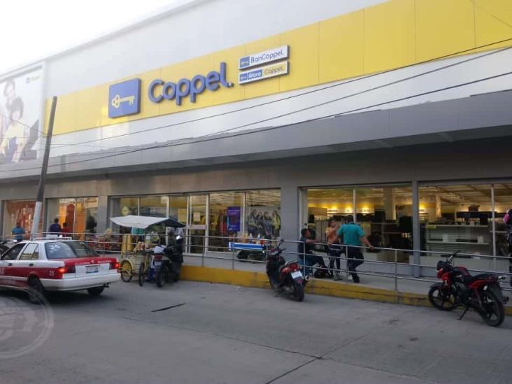 Coppel y Andrea se niegan a suspender actividades en Veracruz por contingencia