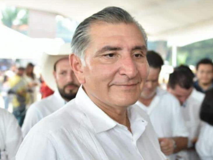 Dan alta médica por COVID-19 a gobernador de Tabasco