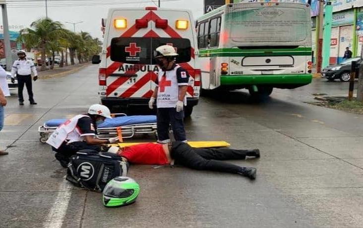 Derrapa motociclista sobre la avenida Ejército Mexicano