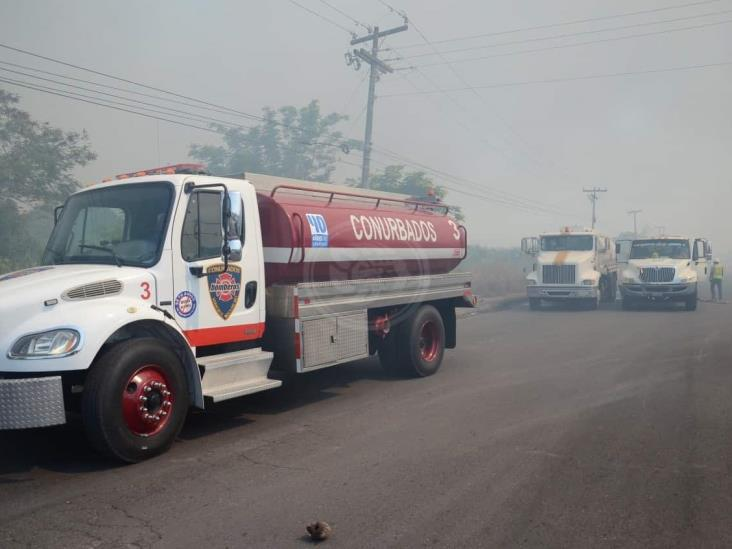 Incendio de pastizal provoca caos vial en Veracruz-Medellín de Bravo