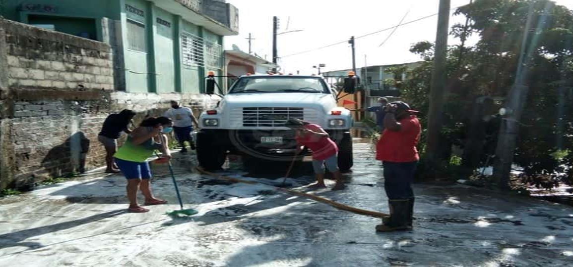 Cooperan en Moloacán para jornada de descacharrización
