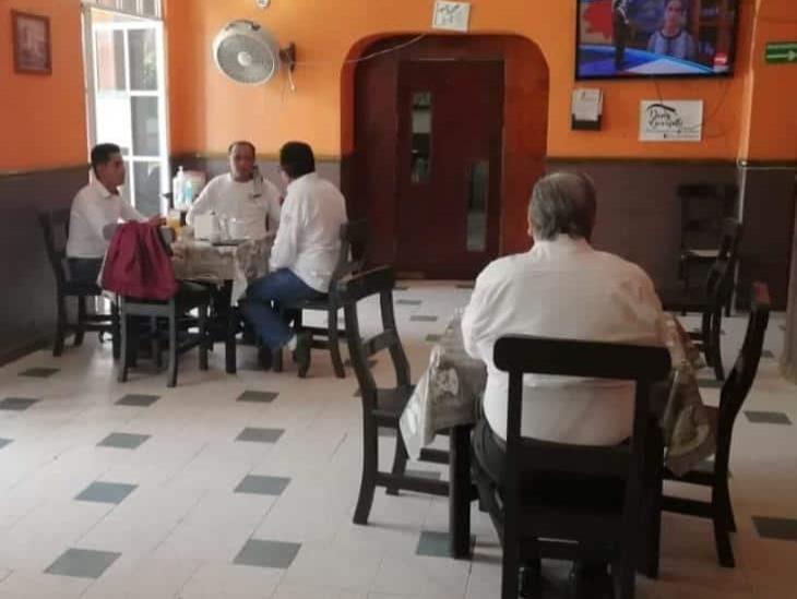 Restaurantes en Coatzacoalcos reanudan labores adaptándose a la Nueva Normalidad