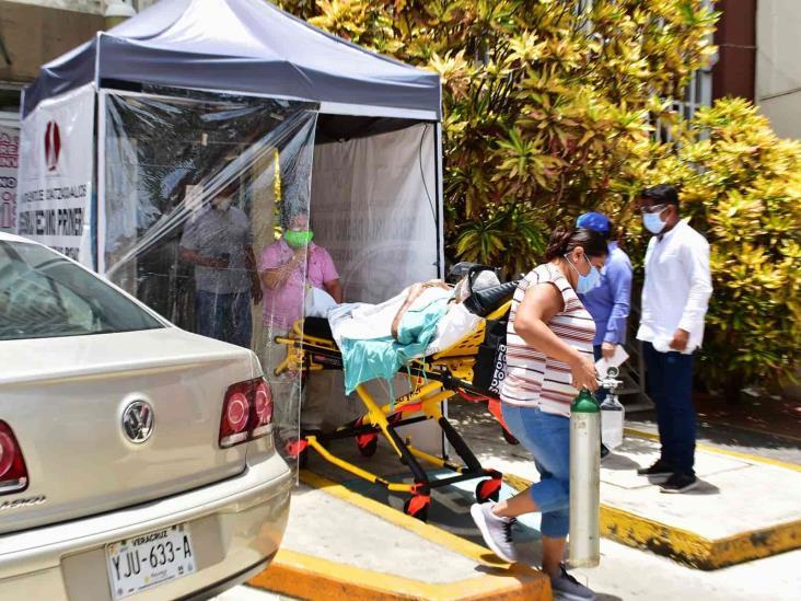 Instalan primera carpa sanitizadora en IMSS 36 de Coatzacoalcos
