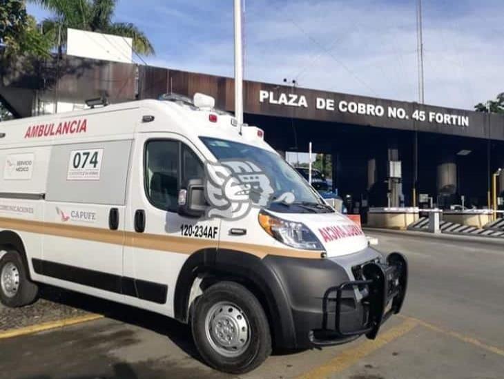 Por posible COVID-19, fallece en un taxi cerca de caseta de Fortín