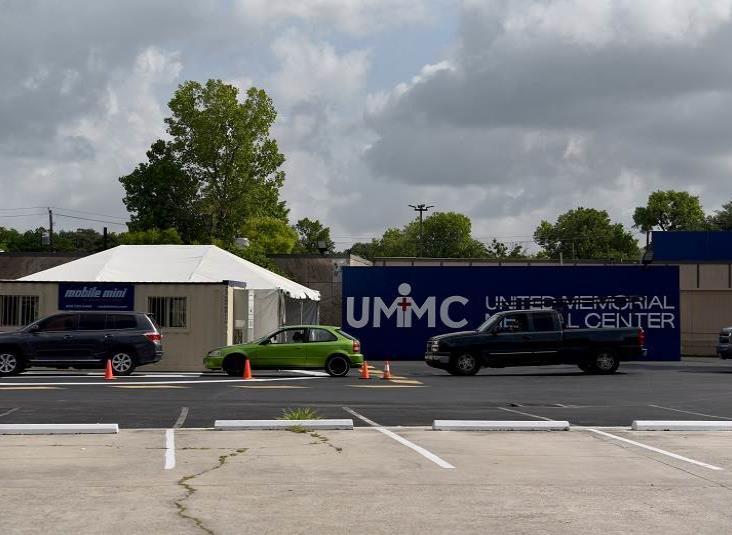 Mexicano crea un hospital Covid-19 en Houston