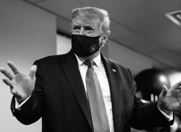 """""""No hay nadie más patriótico que yo"""", dice Trump al usar cubrebocas"""