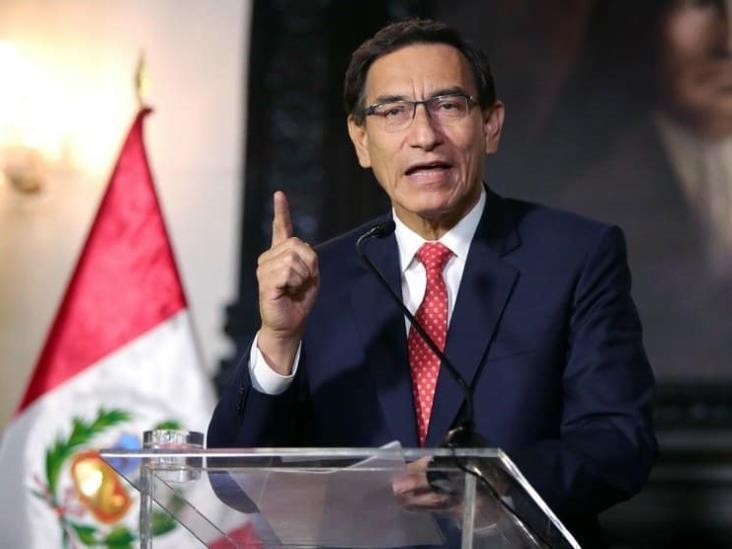 Congreso de Perú aprueba solicitud para remover al presidente Vizcarra