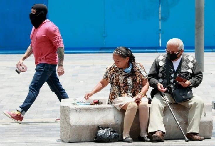 OMS pide repensar relación con los ancianos tras pandemia