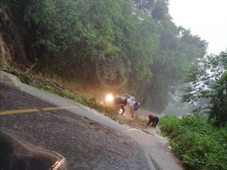 Deslave provoca cierre de la carretera Fortín-Huatusco