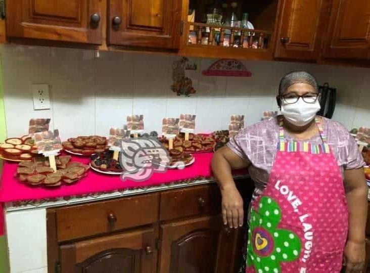 Doña Silvina, elabora deliciosos dulces tradicionales en honor a su hijo fallecido