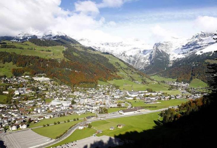 Suiza impone cubrebocas obligatorio y restringe reuniones