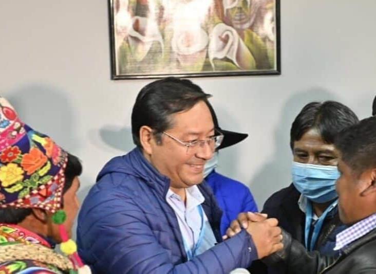 El MAS arrasa en las elecciones de Bolivia; Evo Morales celebra voluntad del pueblo