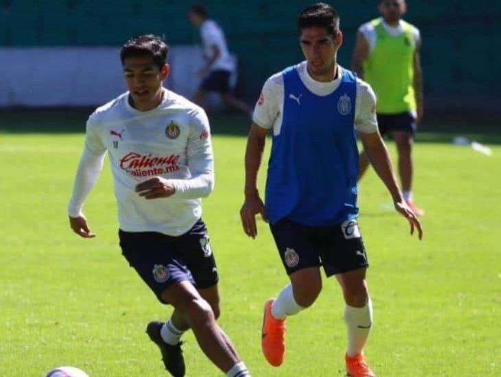 Villalpando, Chofis López, Vázquez y Peña fuera de entrenamientos con Chivas