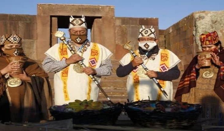 Presidente electo de Bolivia recibe simbólico bastón de mando en Tiwanaku
