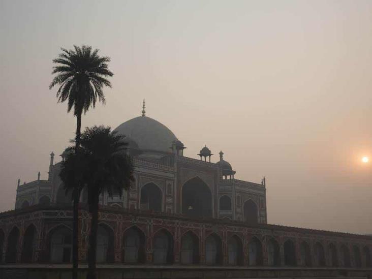 Temen en Nueva Delhi por efecto de contaminación y Covid-19