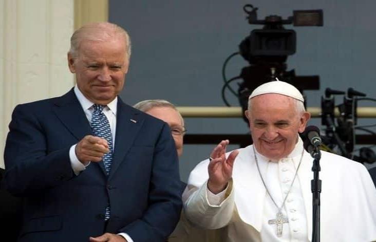 Bendice y felicita el papa Francisco a Joe Biden