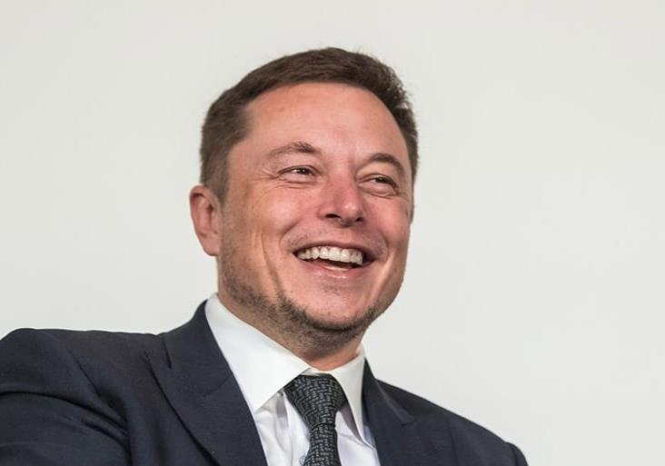 Hay algo fraudulento con estas pruebas COVID: Elon Musk