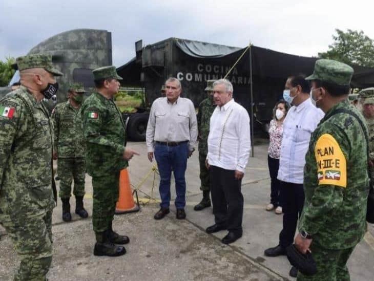López Obrador recorre Tabasco; advierte por nueva tormenta
