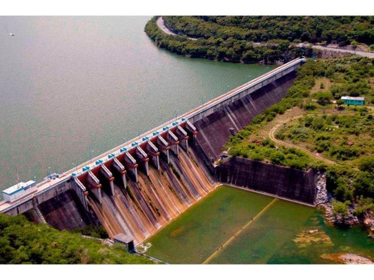 Responde AMLO a cuestionamientos sobre presa Peñitas