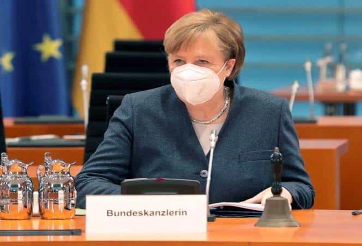 Merkel planea mantener confinamiento en Alemania hasta marzo