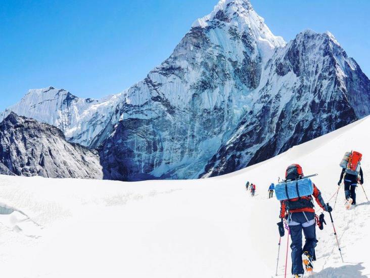 Reportan primer caso positivo de Covid-19 en el Everest