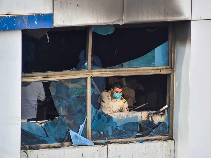Mueren 13 pacientes Covid tras incendio