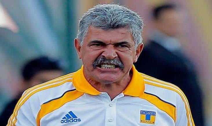 Tuca Ferretti no se quedaría sin trabajo, Pumas y Chivas se interesan por él